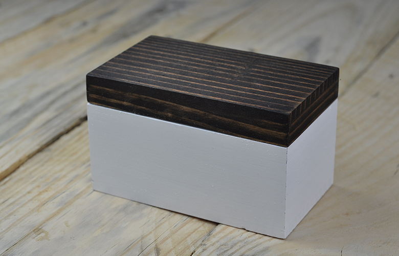 Two-tone wood box